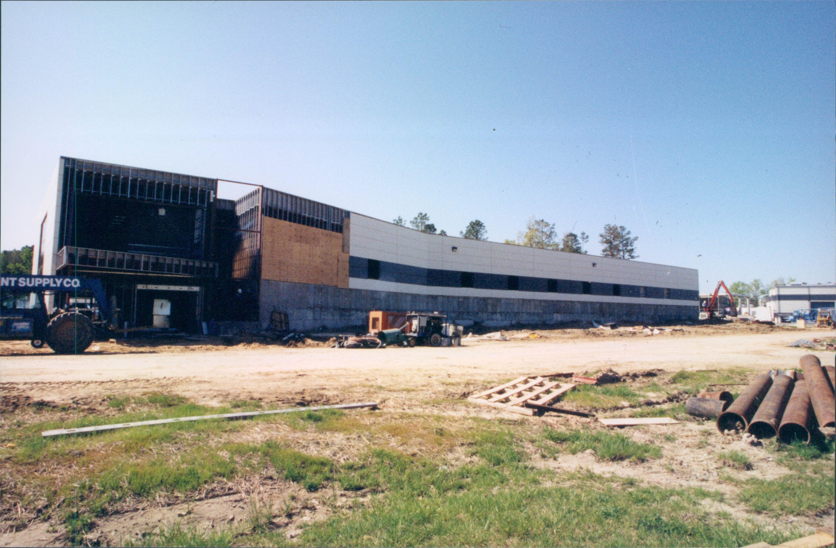 FEL (now LERF) construction, April 1997.