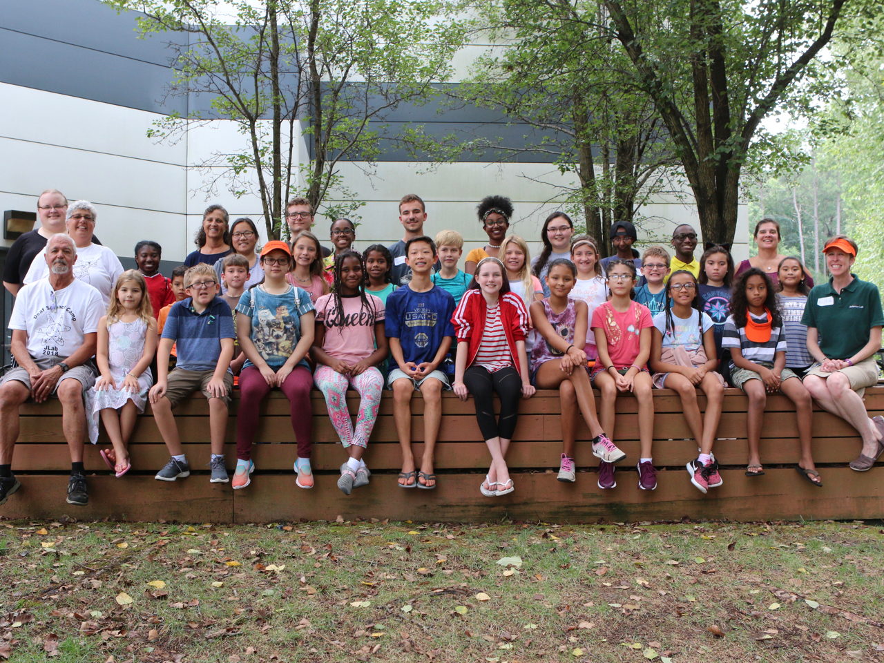 2019 Deaf Science Camp group photo with students and counselors