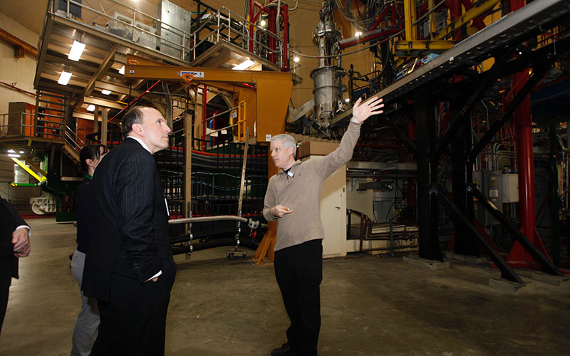 Department of Energy Under Secretary for Science Paul Dabbar visited Jefferson Lab