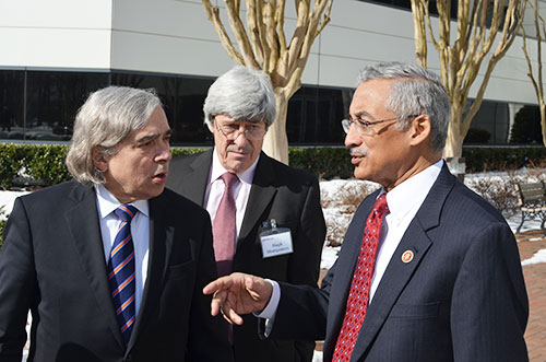 Secretary Moniz Visits Lab