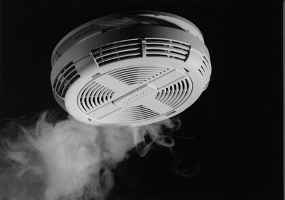 public_domain_smoke_detector_image