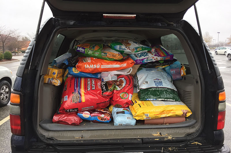 When Jefferson Lab Safety Wardens Donate Pet Food to Area Shelters