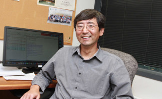 Jian-Ping Chen at his desk